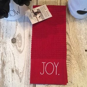 Set of 2 Rae Dunn Christmas Towels...JOY & PEACE